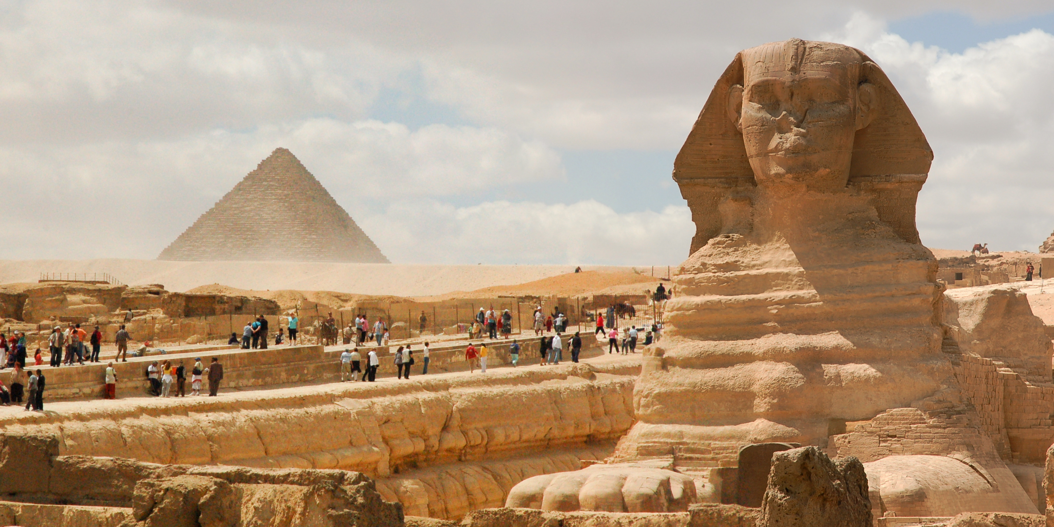 пирамиды и Сфинкс